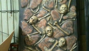 1001-Skull & Bone Wall